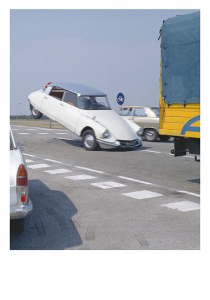 Carte postale inspirée par Trafic de Jacques Tati © Tati Trafic 2020